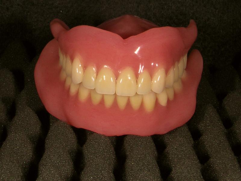 e-HaQクワトロブレードを使用した義歯